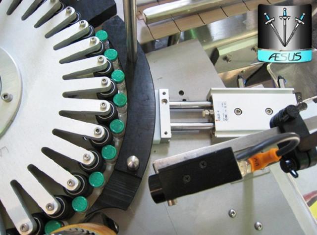 Sticle conice personalizate automatizate Containere ascuțite Detalii despre mașina de etichetare rotativă