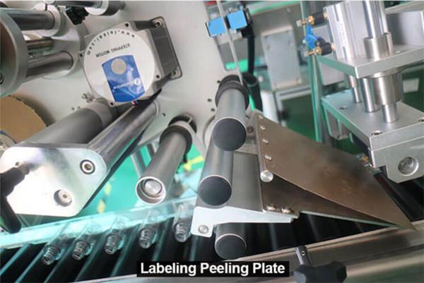 Sticle rotunde cu înveliș orizontal de mare viteză Flacoane seringi Detalii despre echipamente de etichetare