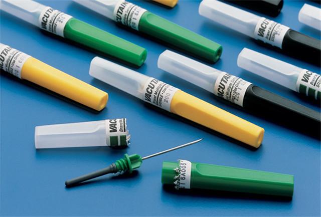 Etichetarea eșantioanelor de la mașinile de etichetare a seringii orizontale