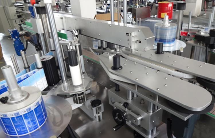 Tip liniar Mașină de etichetare a sticlei complet automată de vânzare